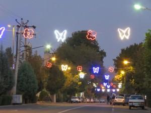 زیباسازی و نورپردازی خیابان شیخ محمد خیابانی