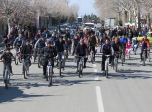 همایش بزرگ دوچرخه سواری شهر خامنه به مناسبت پیروزی انقلاب اسلامی