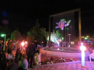 اولین پرده آب استان همزمان با جشن بزرگ نیمه شعبان در شهر خامنه افتتاح گردید.