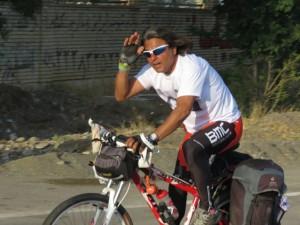 دوچرخه سوار با اخلاق کشورمان به زادگاه خویش رسید