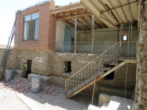 عملیات تخریب پوسته های جدید الحاقی خانه شیخ محمد خیابانی در ادامه پروژه مرمت و بازسازی این بنا، پایان یافت.