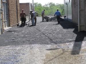 عملیات آسفالت ریزی معابر شهری خامنه آغاز شد.
