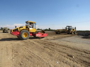 گزارش تصویری عملیات اجرایی پروژه احداث زمین چمن مصنوعی فوتبال در شهر خامنه