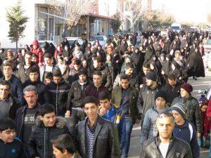 همایش پیاده روی خانوادگی ویژه ایام الله دهه مبارک فجر در شهر خامنه برگزار شد.