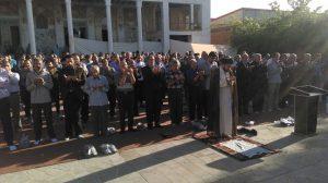 اقامه نماز پر فضیلت عید سعید فطر در شهر خامنه